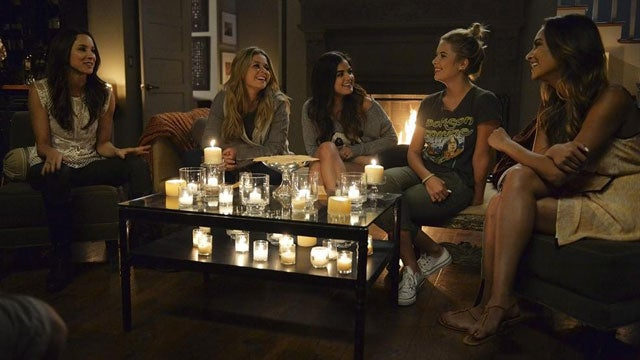 pretty little liars 23 shocking secrets we learned from watching the halloween special entertainment tonight - Pretty Little Liars First Halloween Episode