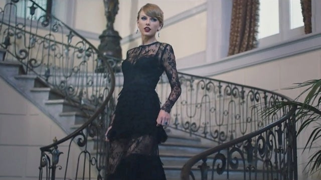 every single outfit taylor swift wears in her blank space