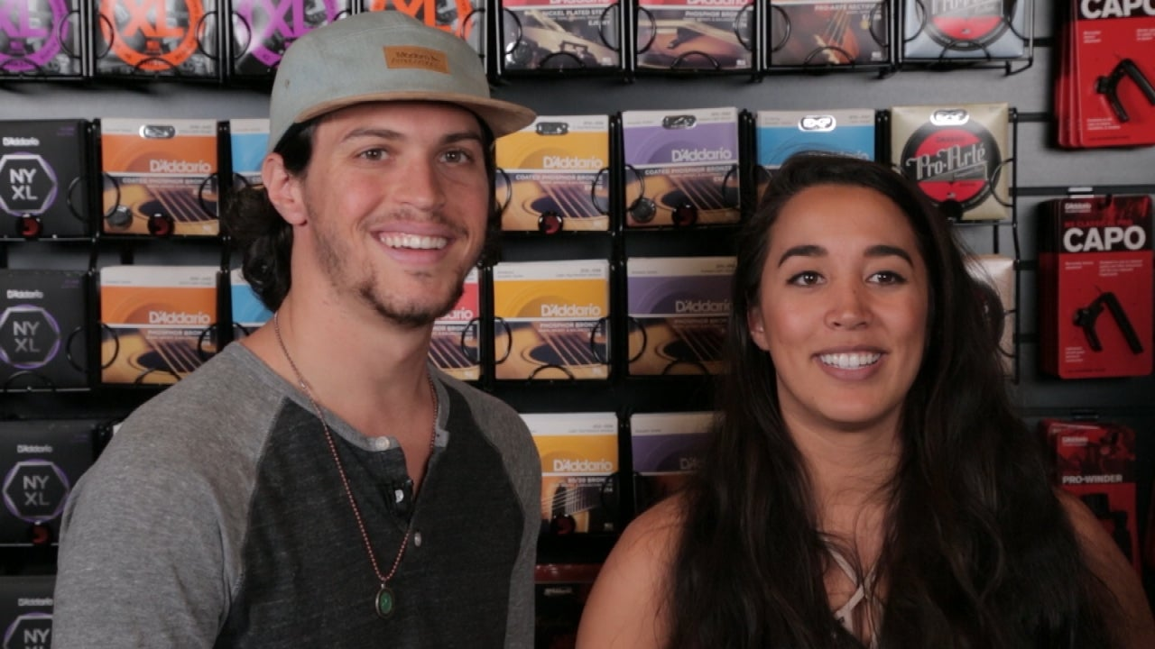 alex and sierra dating Extra's aj calloway recently caught up with alex & sierra, the boyfriend/girlfriend pop duo that won season 3 of the x factor usa.