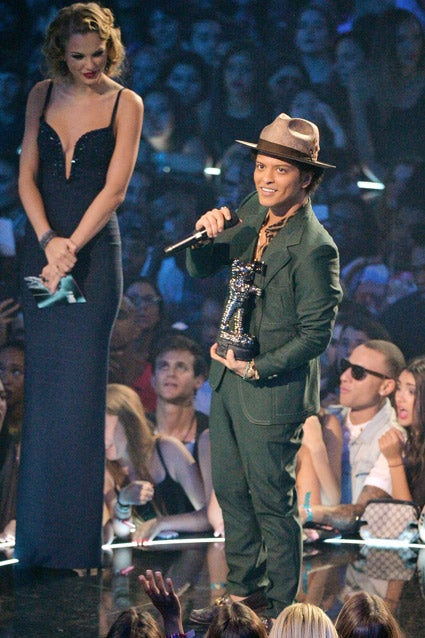Bruno mars height taylor swift