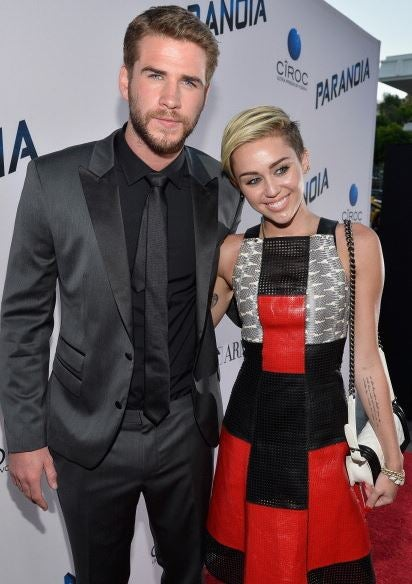 Is Miley Cyrus Back with Ex-Fiance Liam Hemsworth? | Entertainment ...