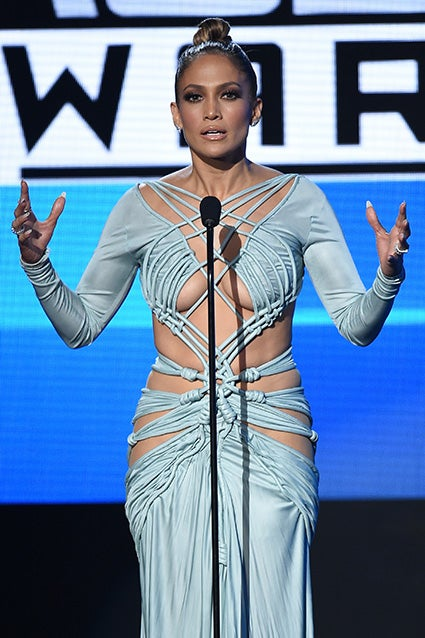 Every Stunning Look Jennifer Lopez Rocked During The 2015