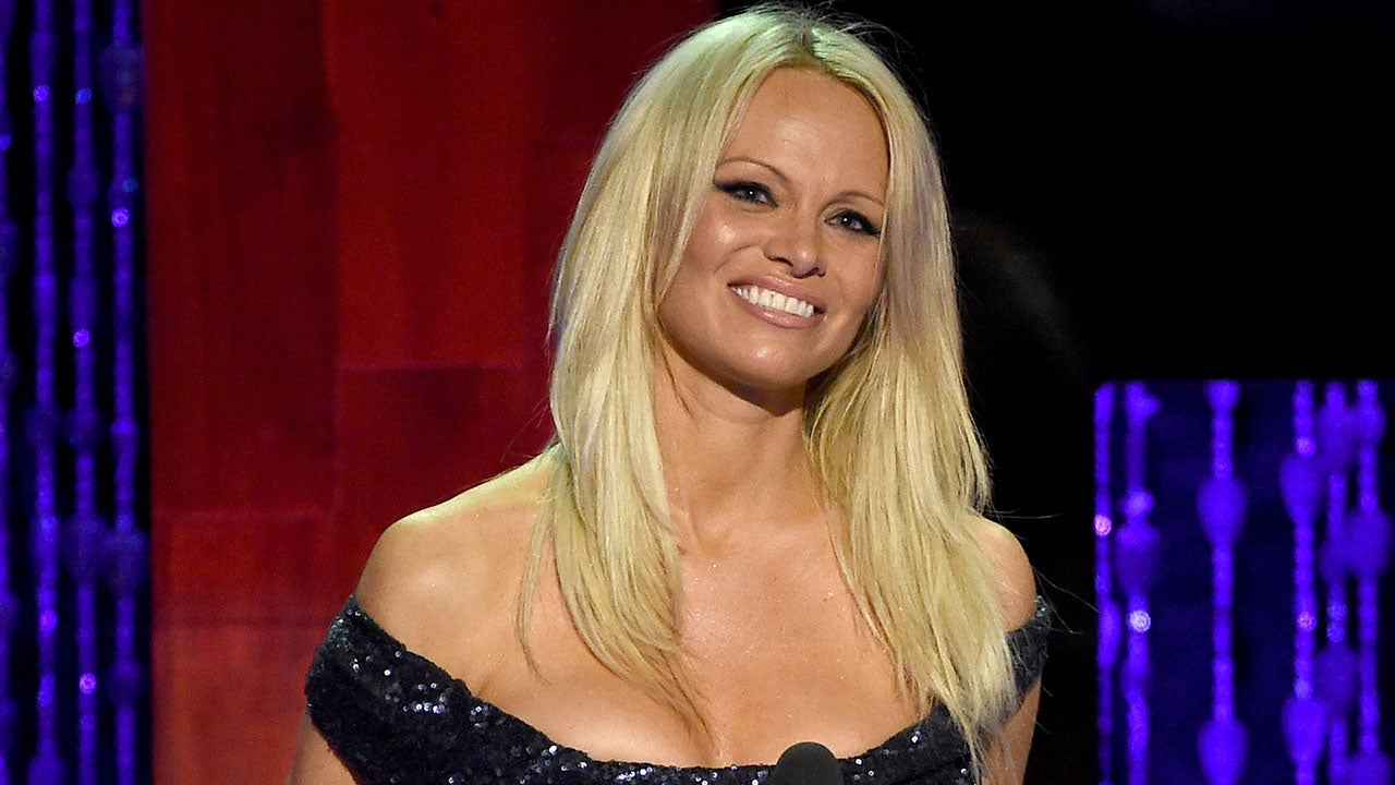 pamela anderson real out naked
