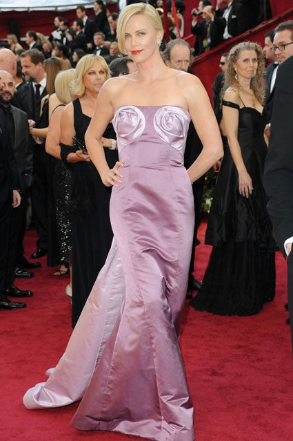 Taking a Look Back at the Worst Oscar Dresses of All Time ...
