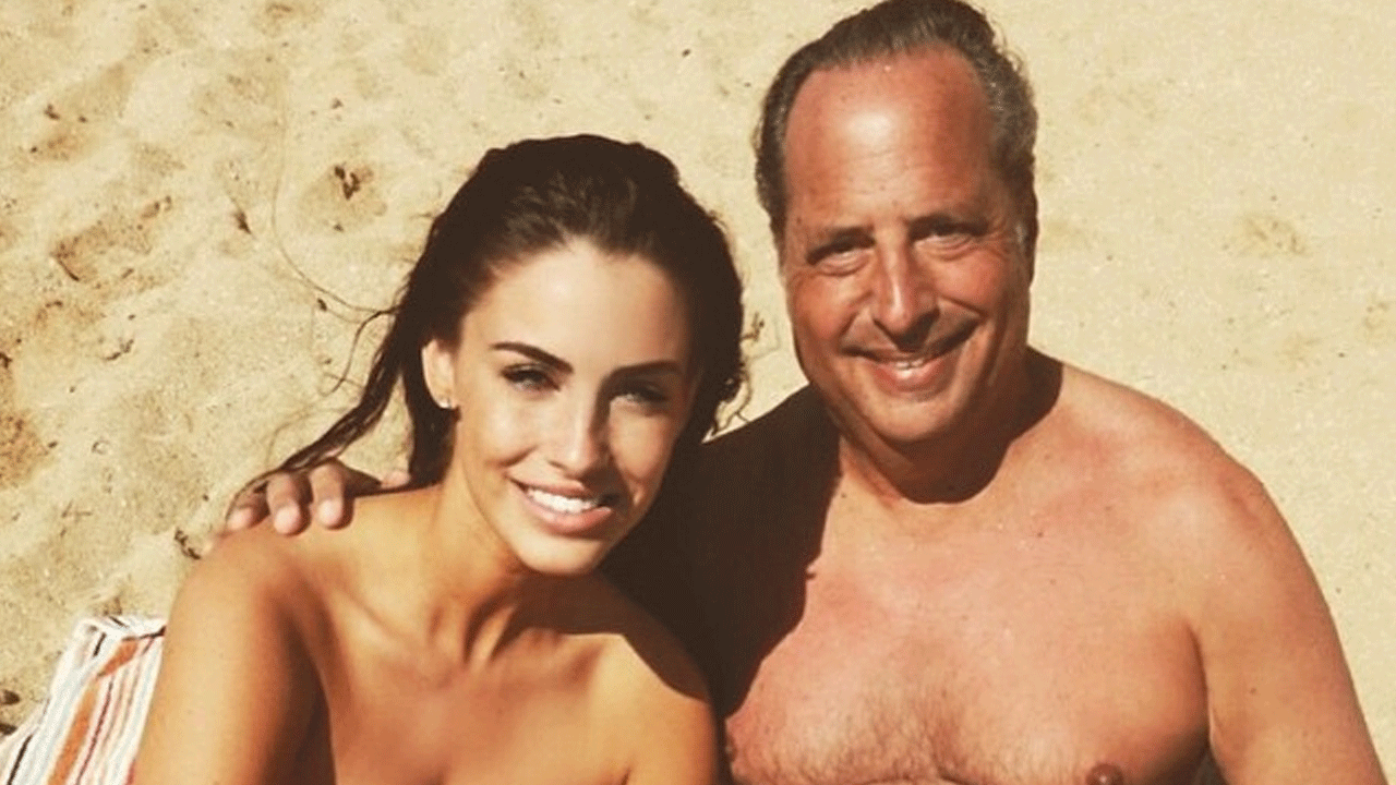 lowndes online dating 28032016 jessica lowndes, 27, claimed on social media over the weekend that she's dating comedian jon lovitz, 58then revealed it's all a hoax.