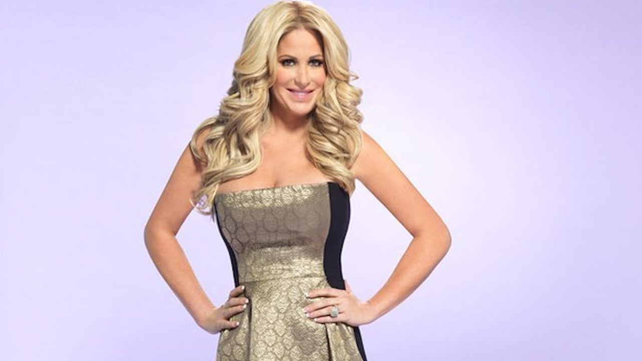 5aec1e7c33f2e Kim Zolciak Flashes Her Incredibly Tiny Waist After Tea Detox -- See the  Jaw-Dropping Pic