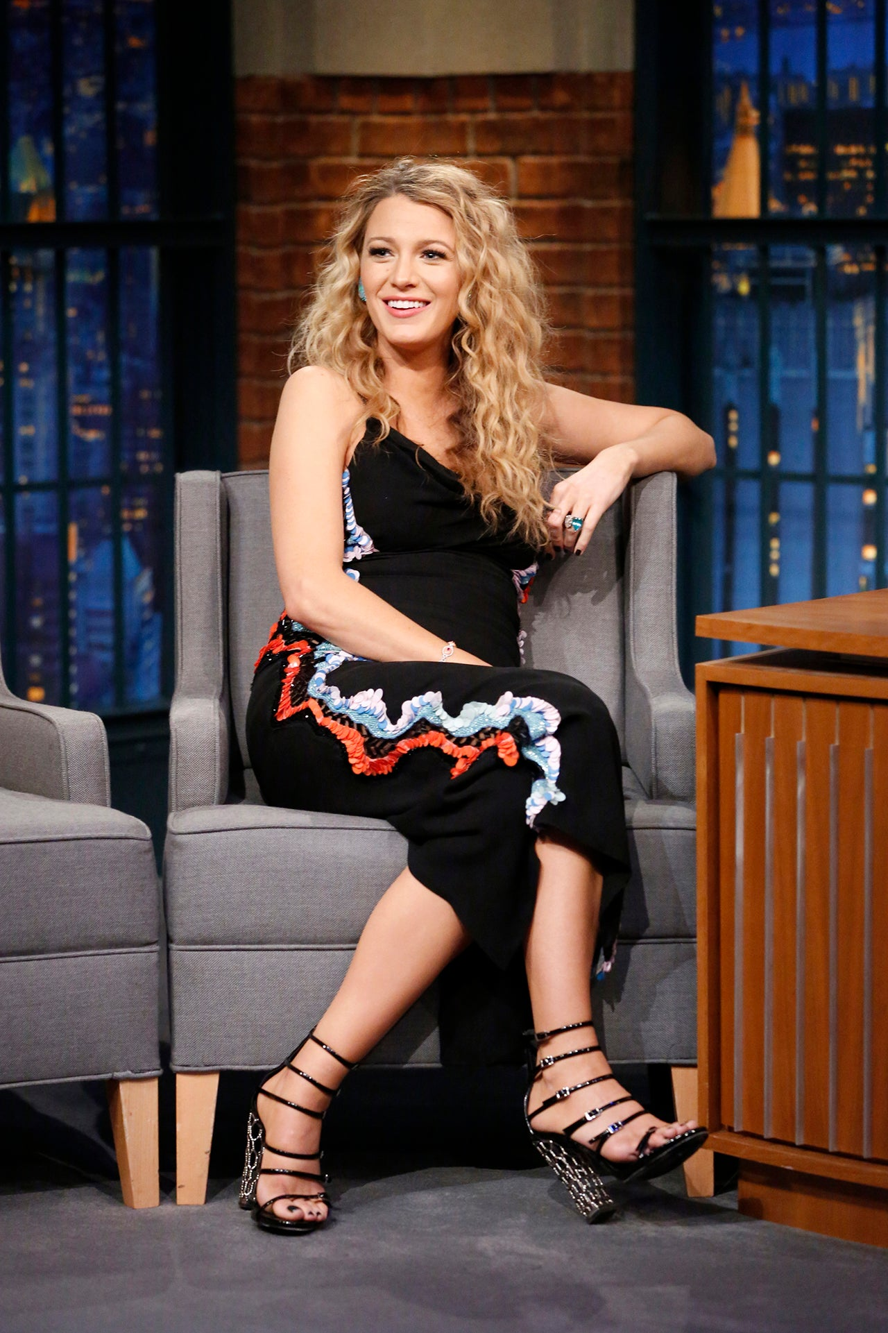 blake lively serves up crimped hair goals  jokes baby
