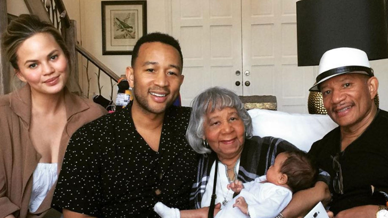 John Legend and Chrissy Teigen's Daughter Luna Meets Her ...