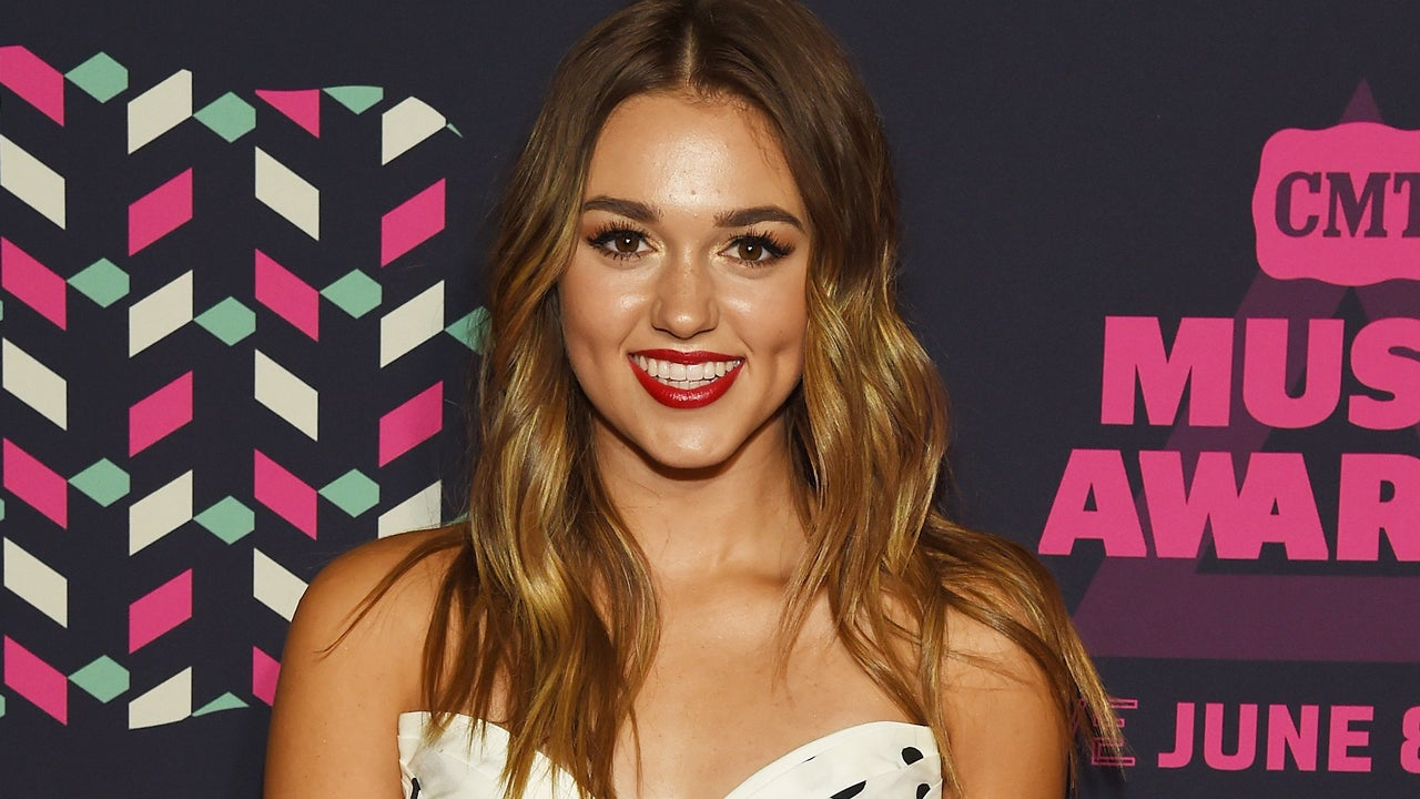 39 duck dynasty 39 star sadie robertson is 39 thankful 39 to be for Sedie importanti