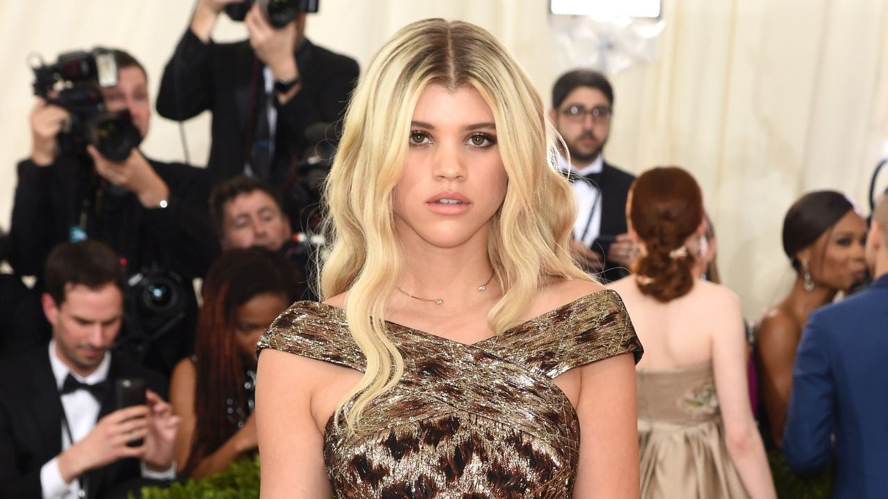 sofia richie says goodbye to her long blonde locks see the pic entertainment tonight