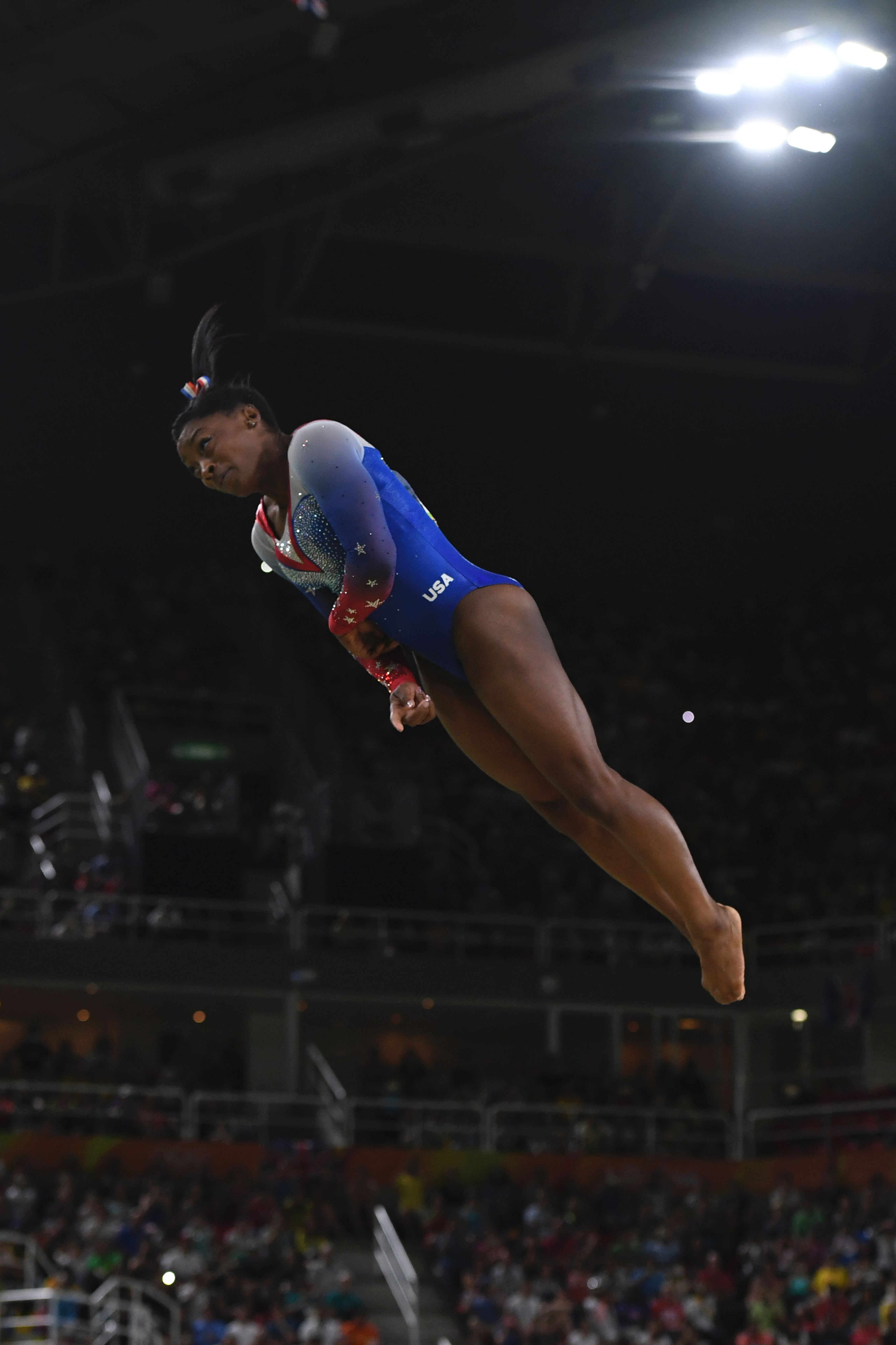 pictures Simone Biles Has a Life-Size Cutout of Zac Efron in HerBedroom