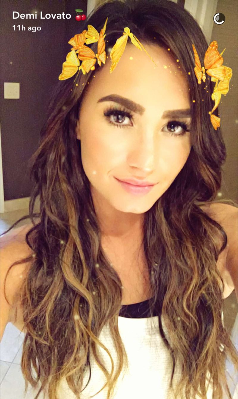 demi lovato new hair style demi lovato s new lighter hair is cool for the summer 7290