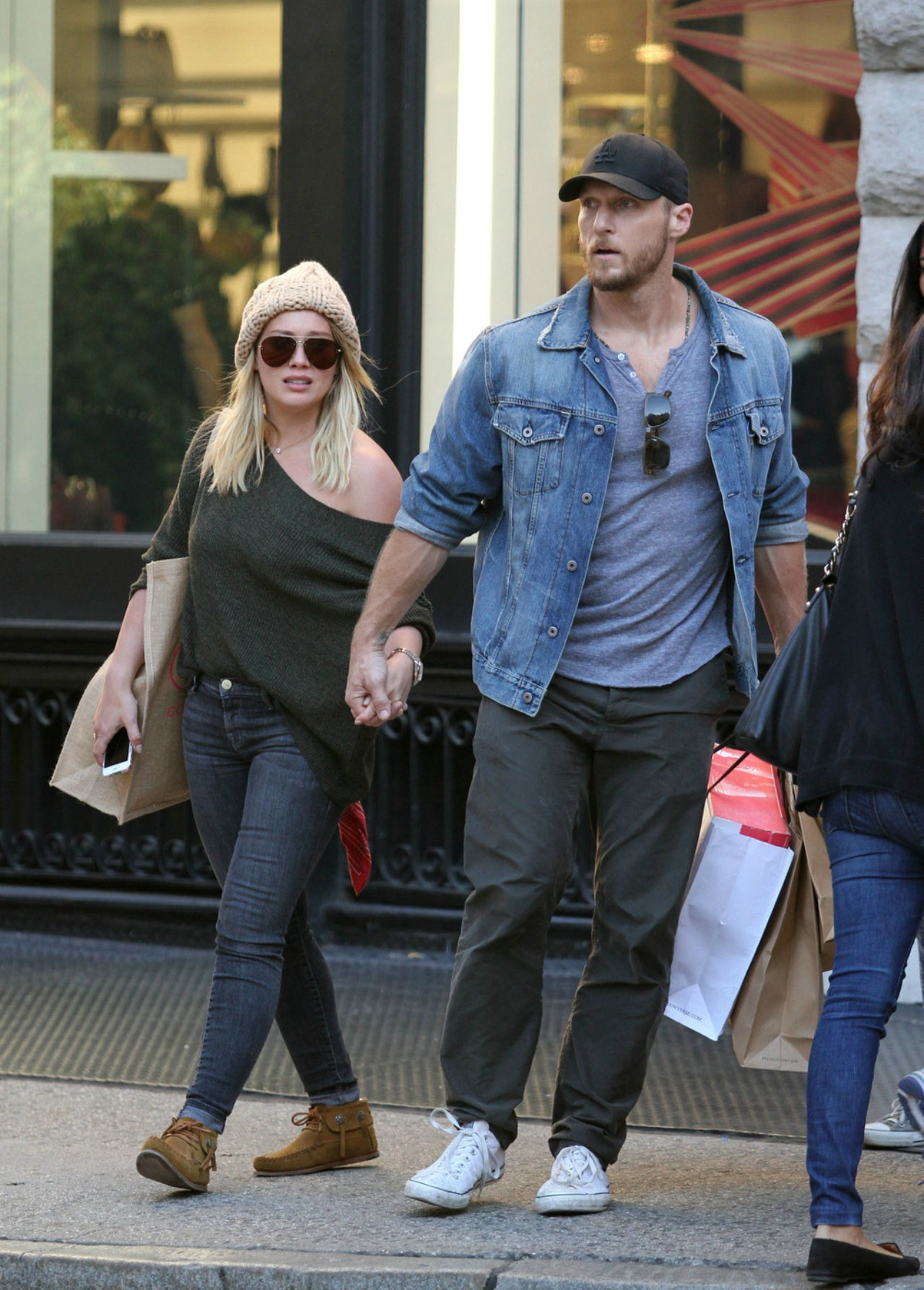 duff dating The couple first started dating three years ago duff confirmed this past december that she is back together with koma, 30, for the third time.