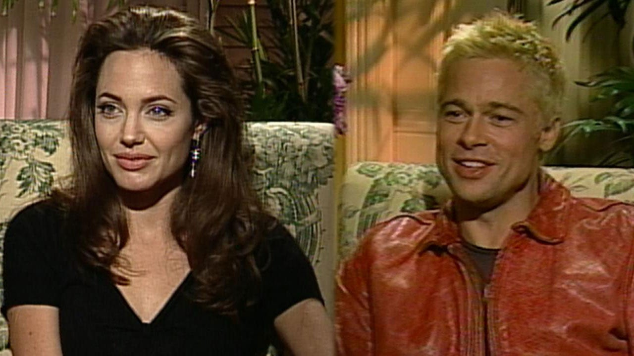Flashback Brad Pitt And Angelina Jolie Reflect On Competition Falling In Love On The Set Of Mr Mrs Smit Entertainment Tonight