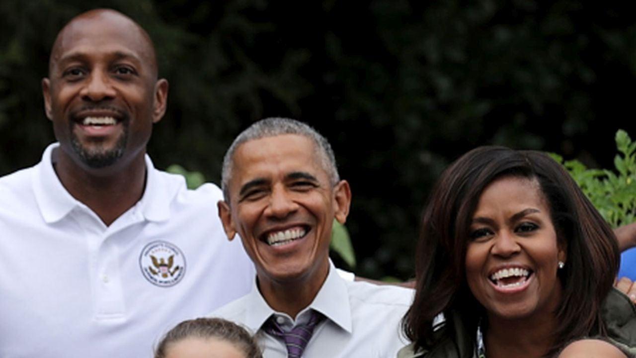 President Barack Obama Pranks Basketball Great Alonzo Mourning at