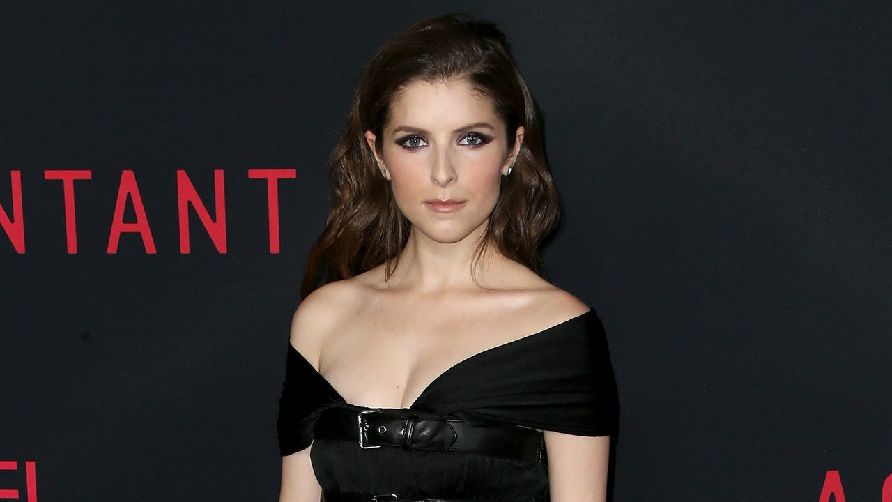 Anna Kendrick Sizzles In 'Punk Rock' LBD at 'Accountant ...