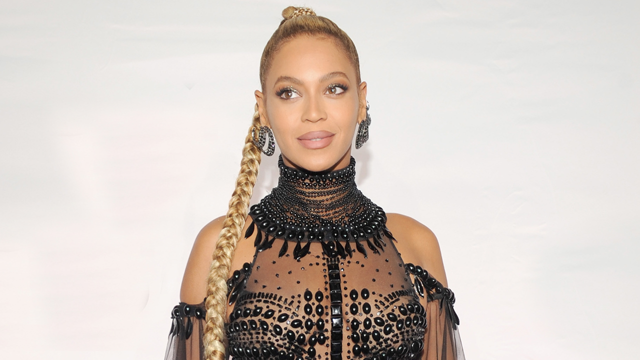 Beyonce\'s 17 Biggest Moments of 2016: Grammy Noms, the Super Bowl ...