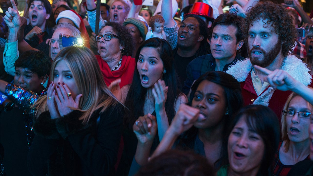 Office Christmas Party\' Review: A New Kind of Christmas Classic ...