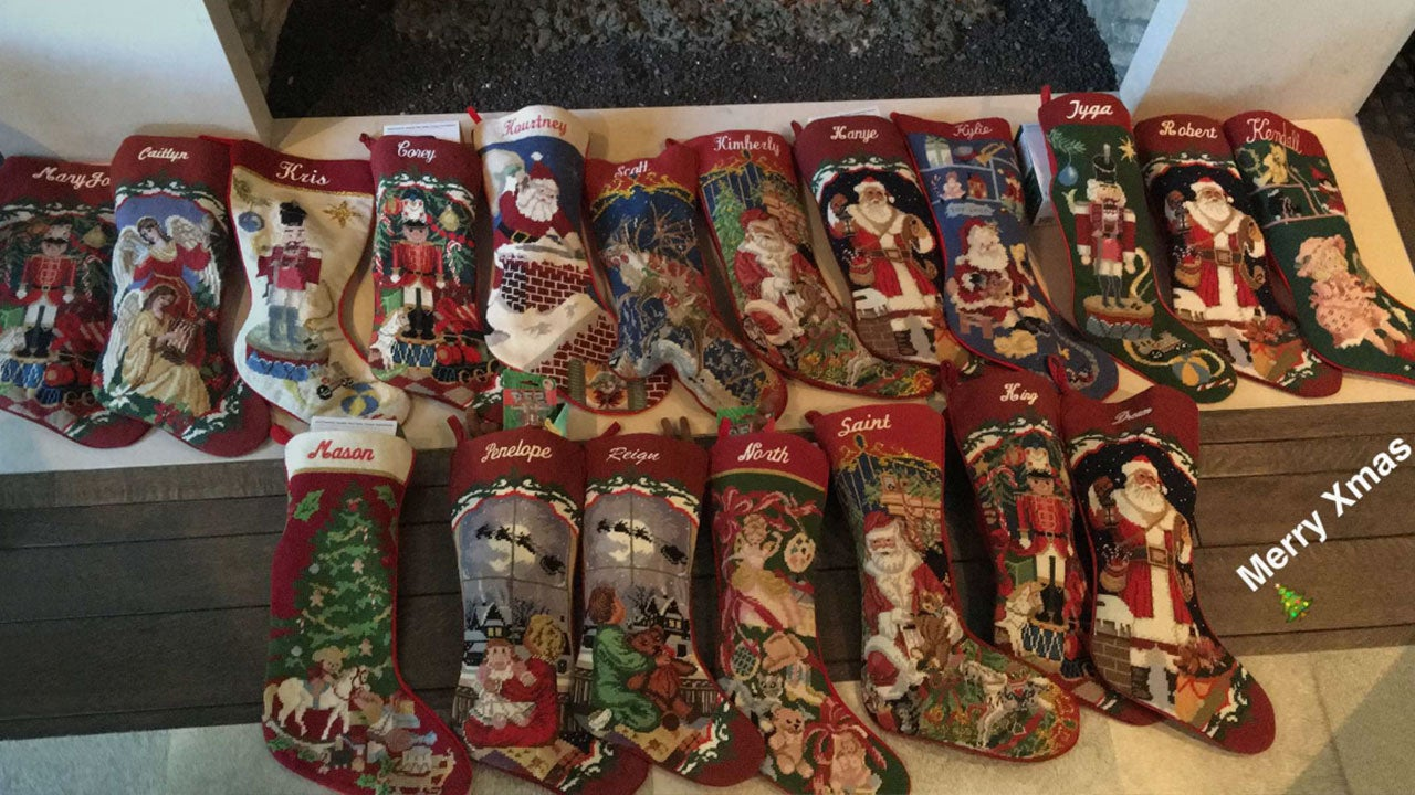 The Kardashians Show Off Their Christmas Morning Loot -- But Where ...