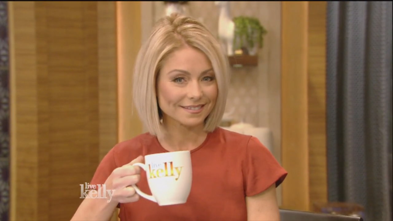 Kelly Ripa Says She Got Depressed After Seeing Old Photos Of Herself