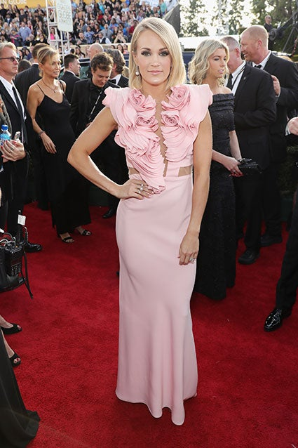 EXCLUSIVE: Carrie Underwood Had Her First Golden Globes Dress ...