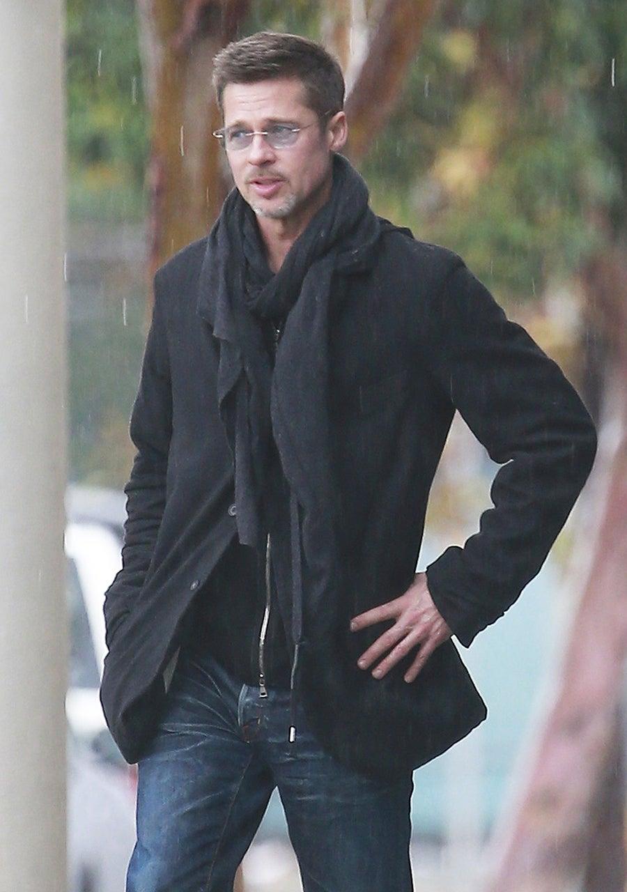 Oliver Hudson Pokes Fun at Those Kate Hudson-Brad Pitt Dating Rumors