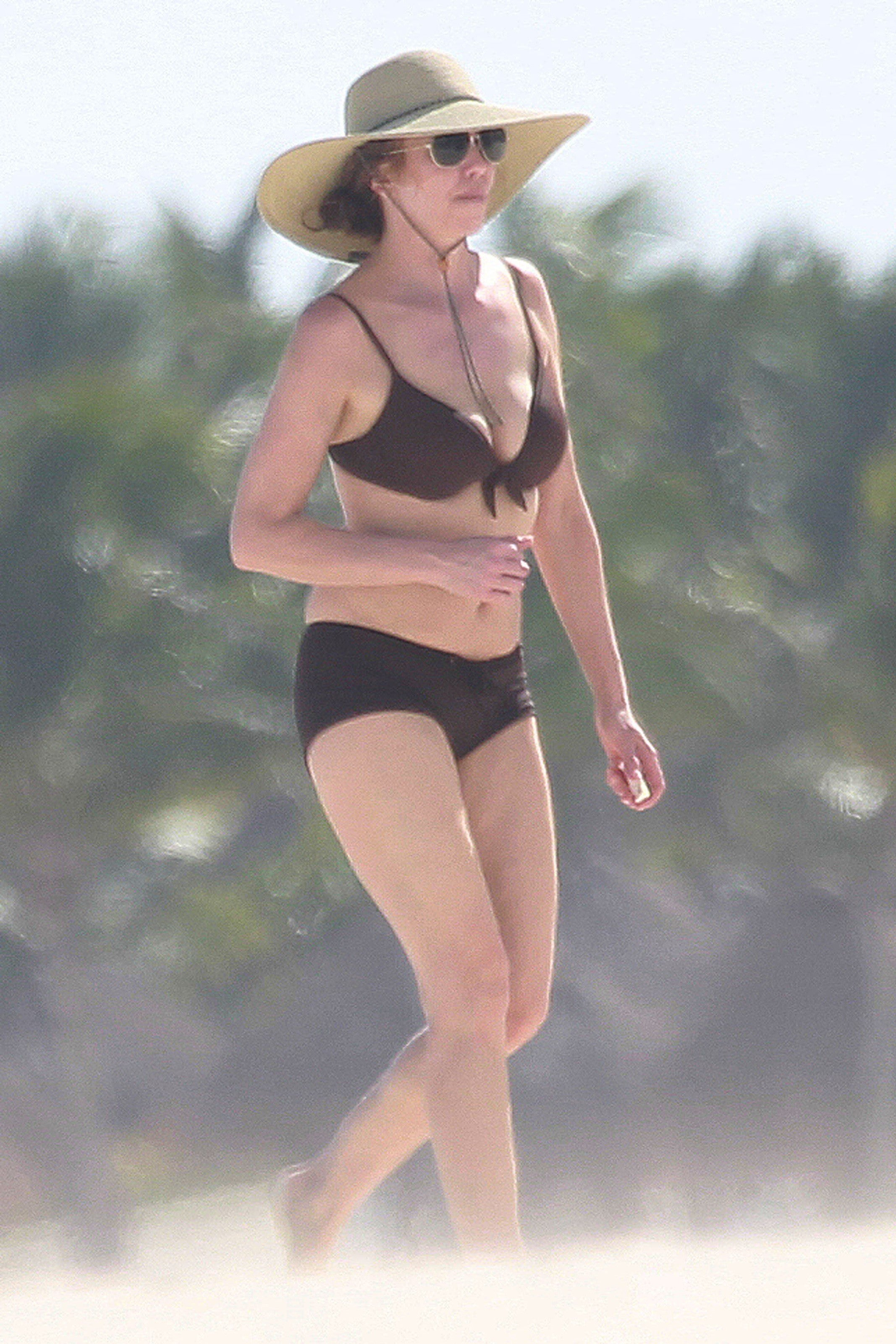Diane Lane Rocks Bikini on Mexican Vacation -- See the Pic ...
