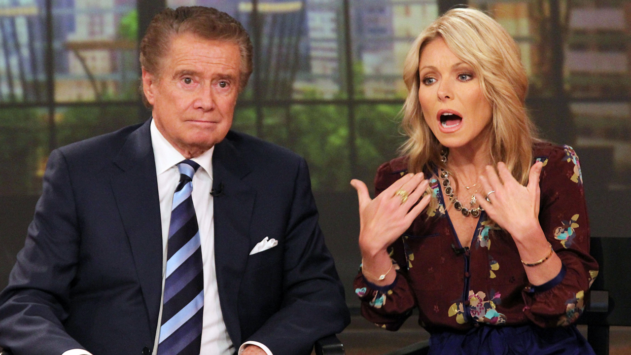 Kelly Ripa Says She's A Snooze Button Abuser Kelly Ripa Says She's A Snooze Button Abuser new foto