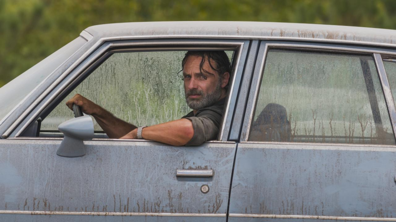 'The Walking Dead' Just Aired the Most Insane (and Gory!) Zombie Massacre  of All Time