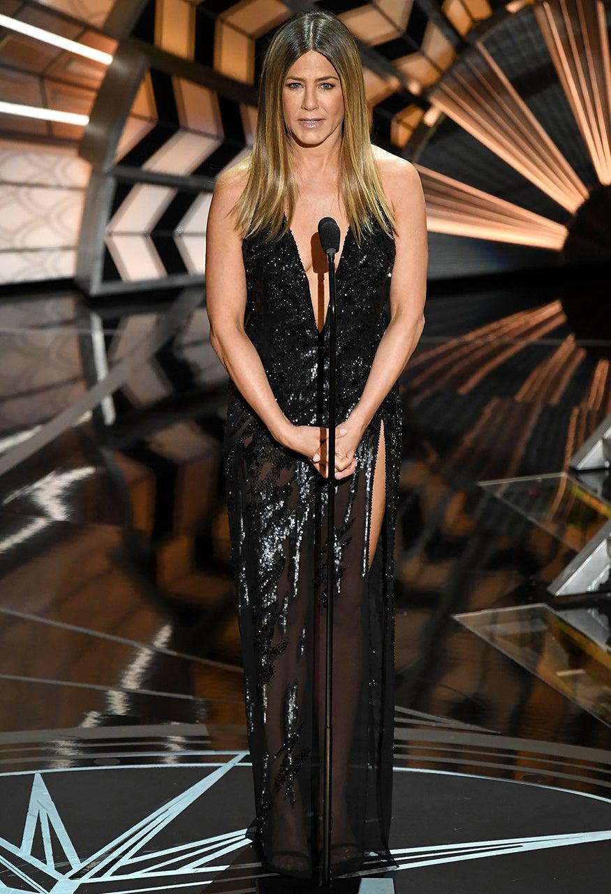 Jennifer Aniston Rocks Super High Slit Dress At The Oscars