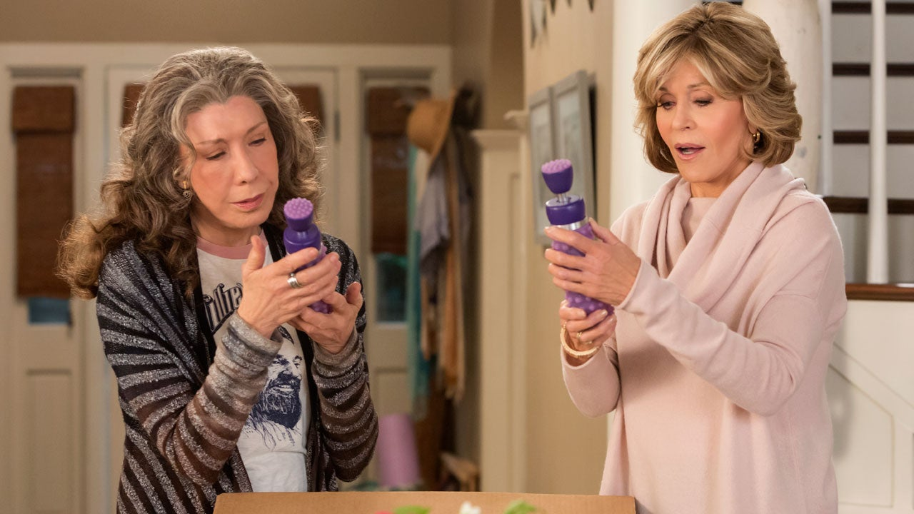 exclusive 39 grace and frankie 39 set out to build their sex toy empire in new season 3 trailer. Black Bedroom Furniture Sets. Home Design Ideas