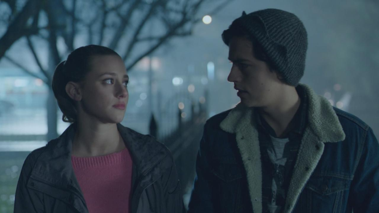 EXCLUSIVE: Jughead and Betty's 'Riverdale' Romance Continues