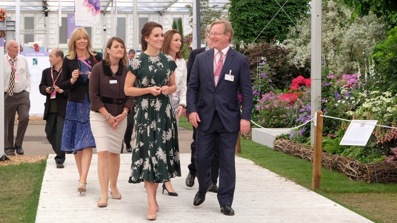 Chelsea flower show 2017 corporate entertainment packages - Kate Middleton Rocks Perfect Floral Dress At Chelsea Flower Show Entertainment Tonight
