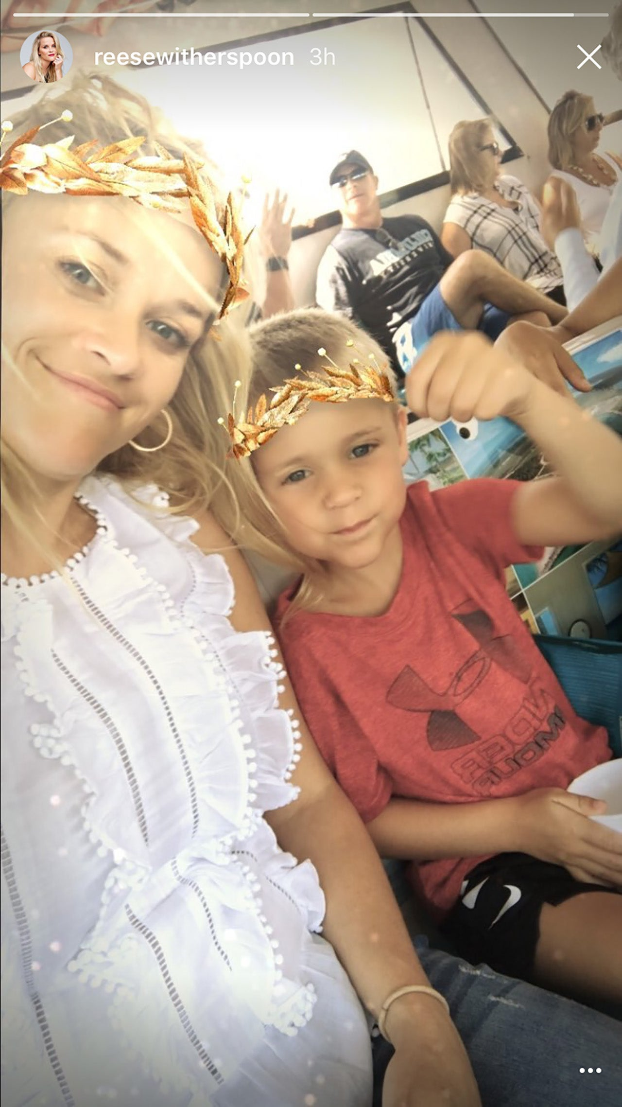 reese witherspoons son tennessee is too cute in vacation
