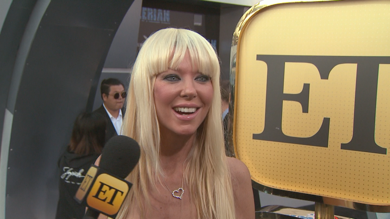 Tara Reid Hits Red Carpet With A Whole New Look See Her