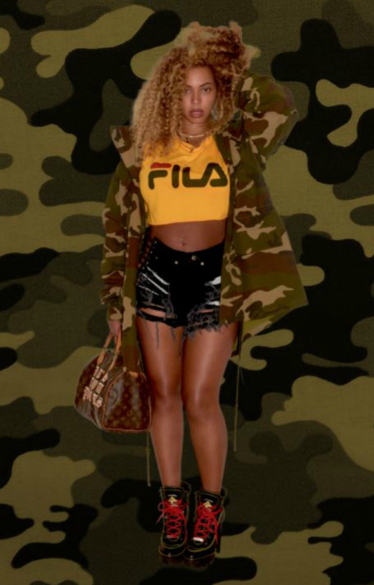 Beyonce Flaunts Her Post-Baby Bod and Belly Button Ring ...