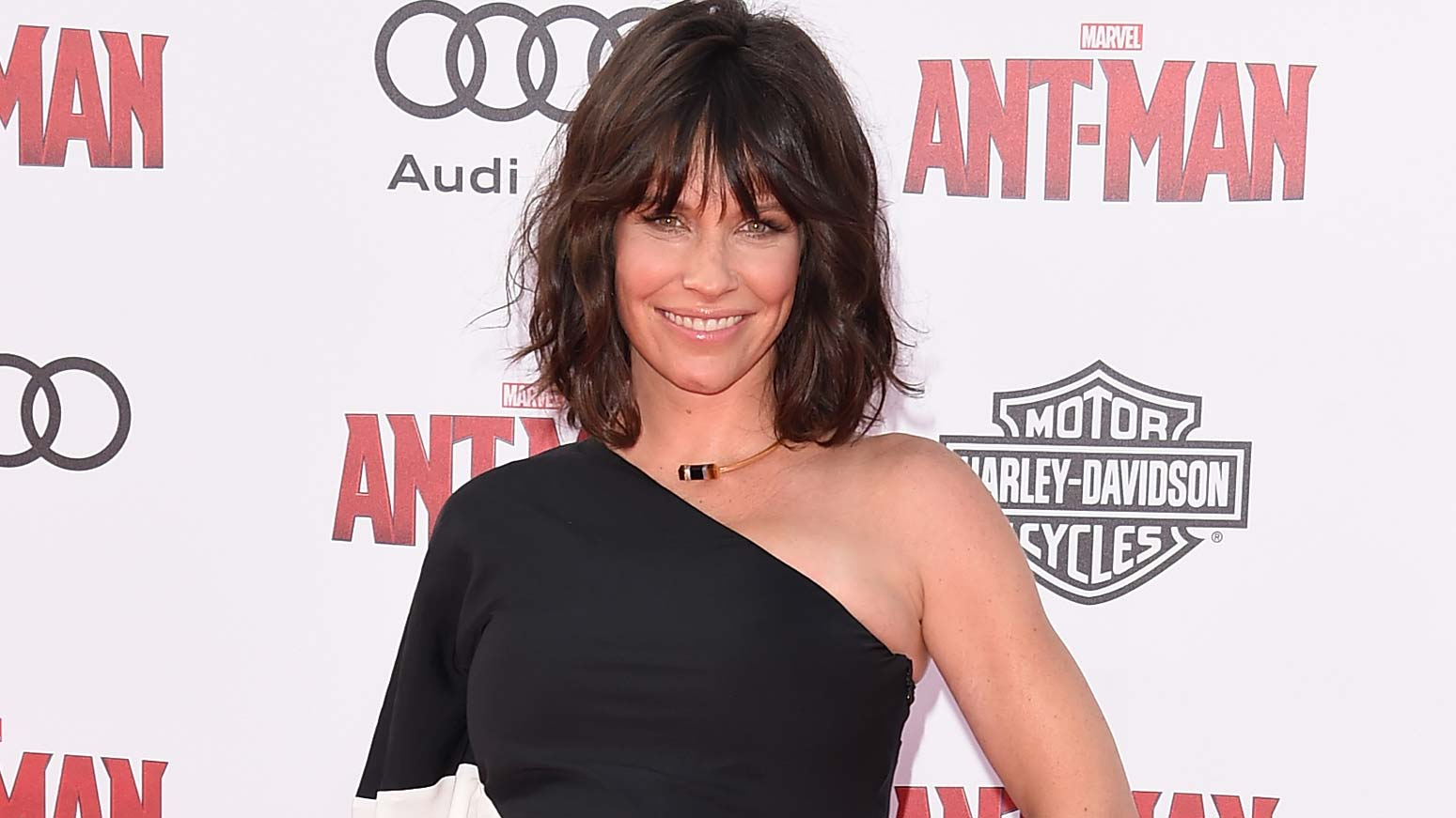 Evangeline Lilly Shaves Her Head: See Her Transformation