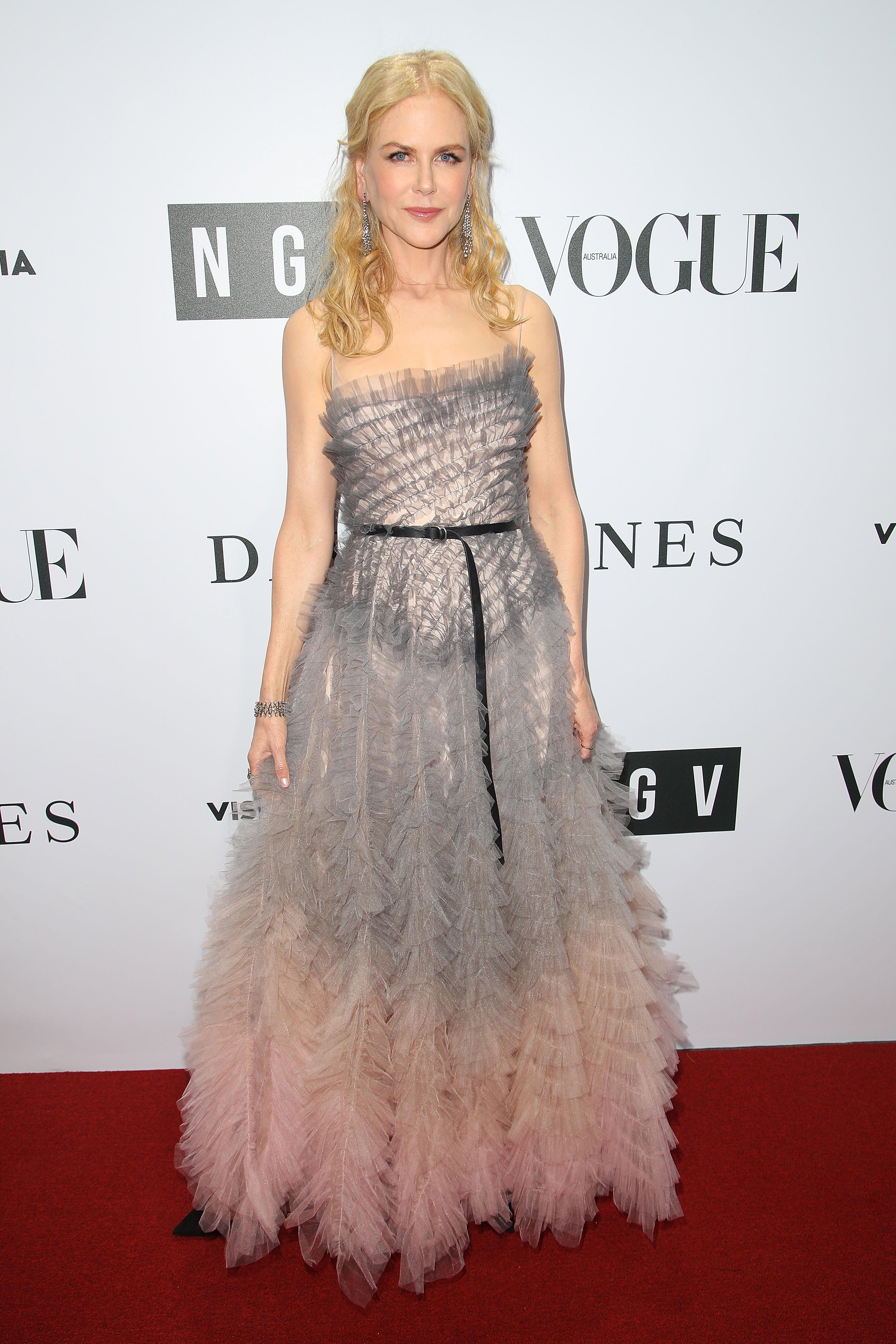 9news Com Nicole Kidman Stuns In Ruffled Gown At Ngv
