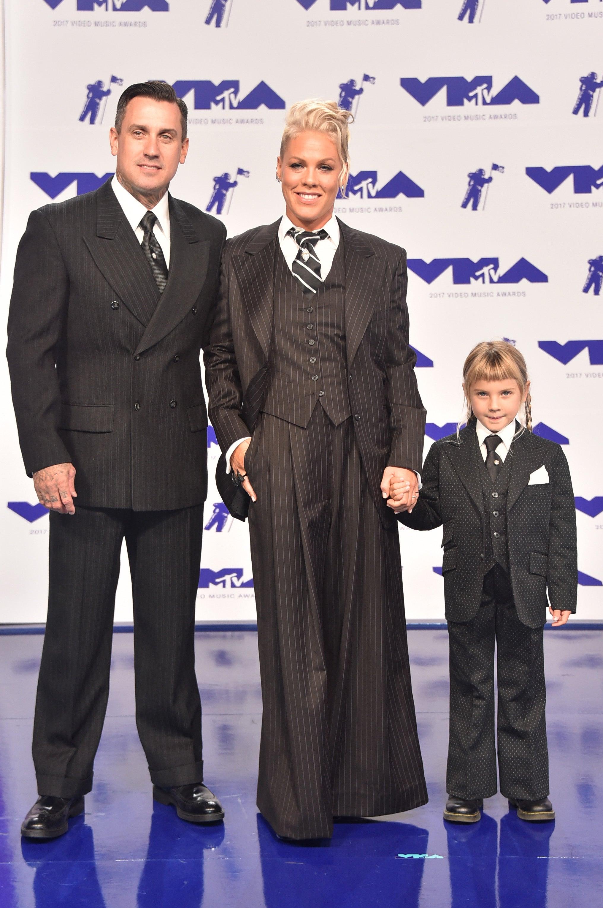 Pink, Carey Hart and Willow Hart at 2017 VMAs