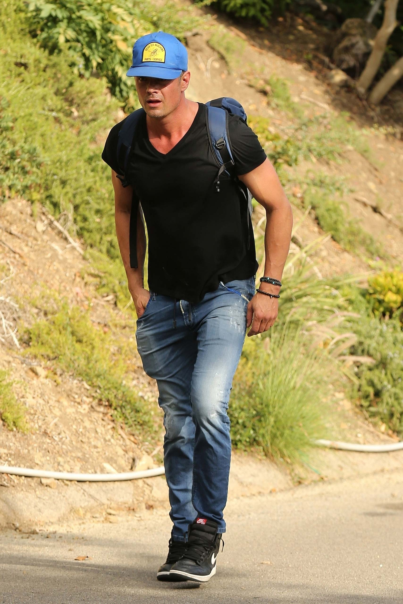 Josh Duhamel Hiking in LA Following Fergie Split