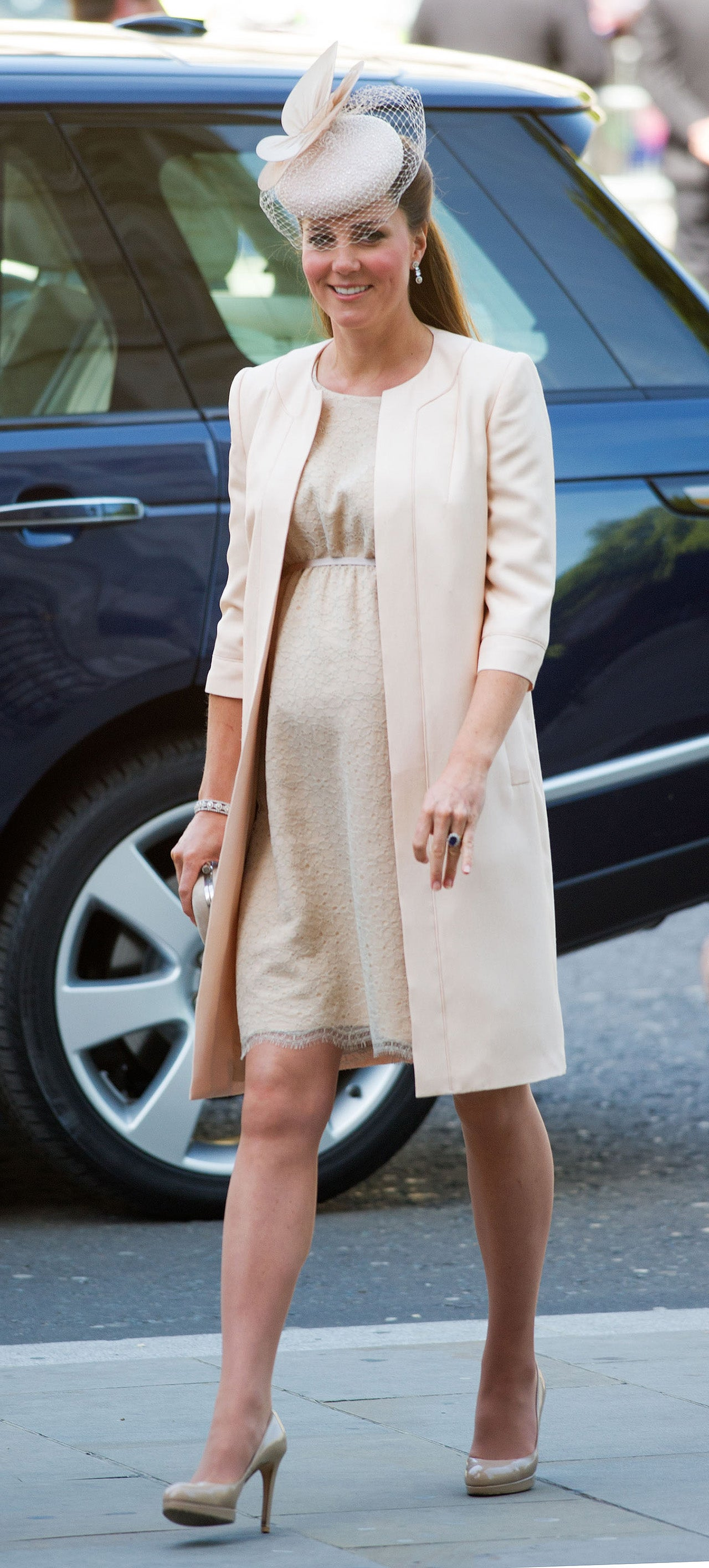 Kate Middletons Top 10 Pregnancy Looks: See Her Regal