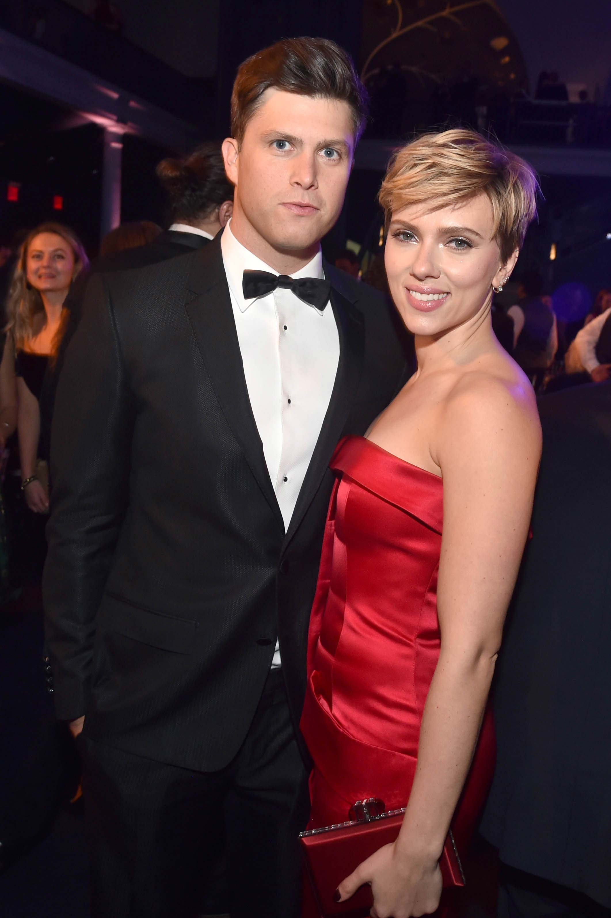 Scarlett Johansson and Colin Jost pose for pics at first red carpet ...