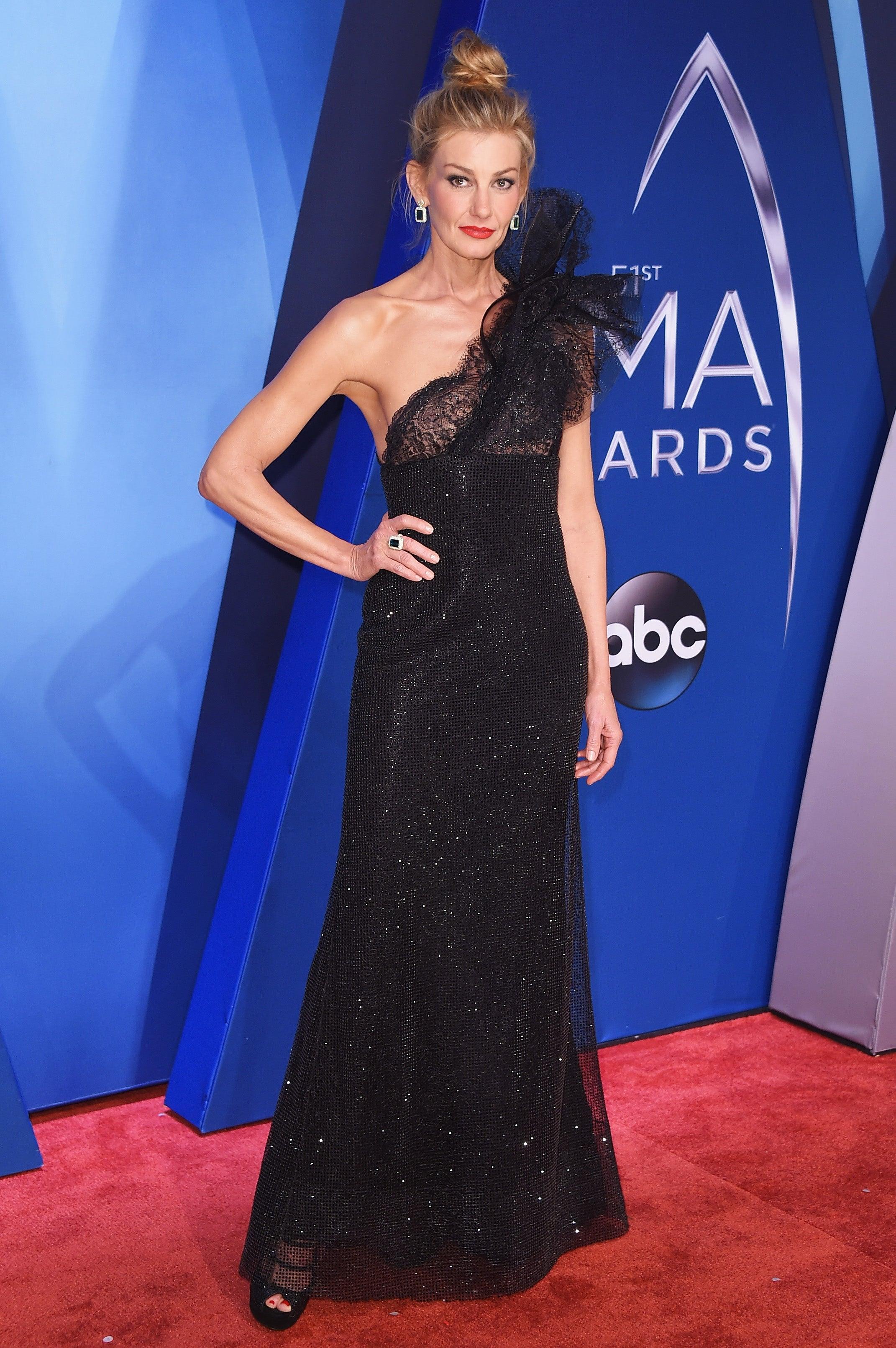 Miranda Lambert Faith Hill Amp More Stars Dazzle At The