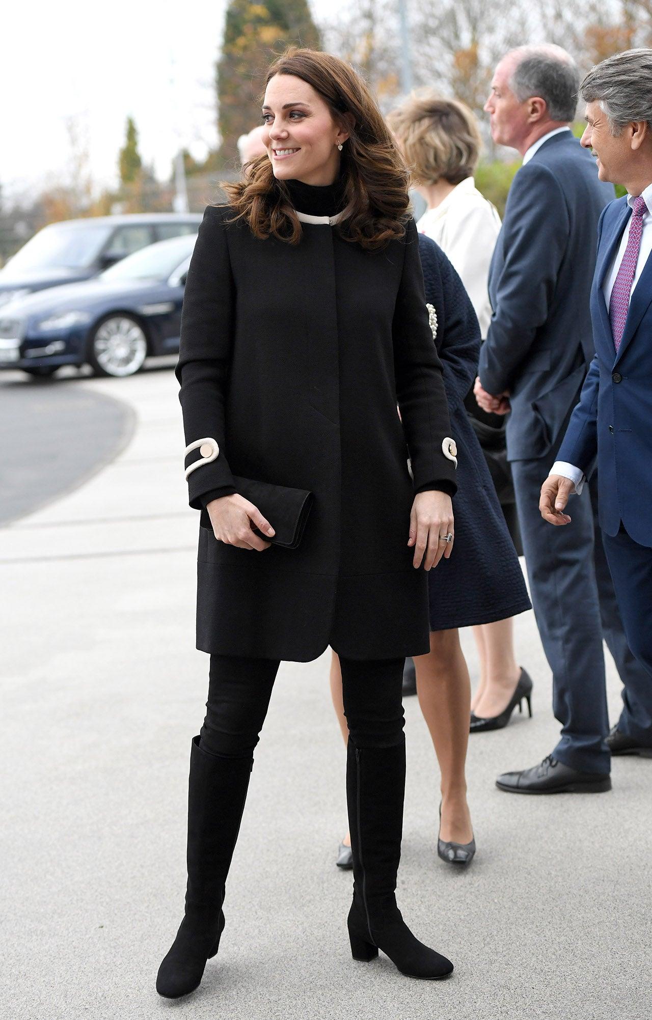 Kate Middleton 39 S Best Pregnancy Looks Entertainment Tonight