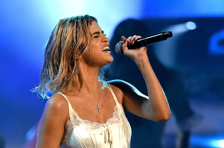 Selena Gomez performs at 2017 American Music Awards