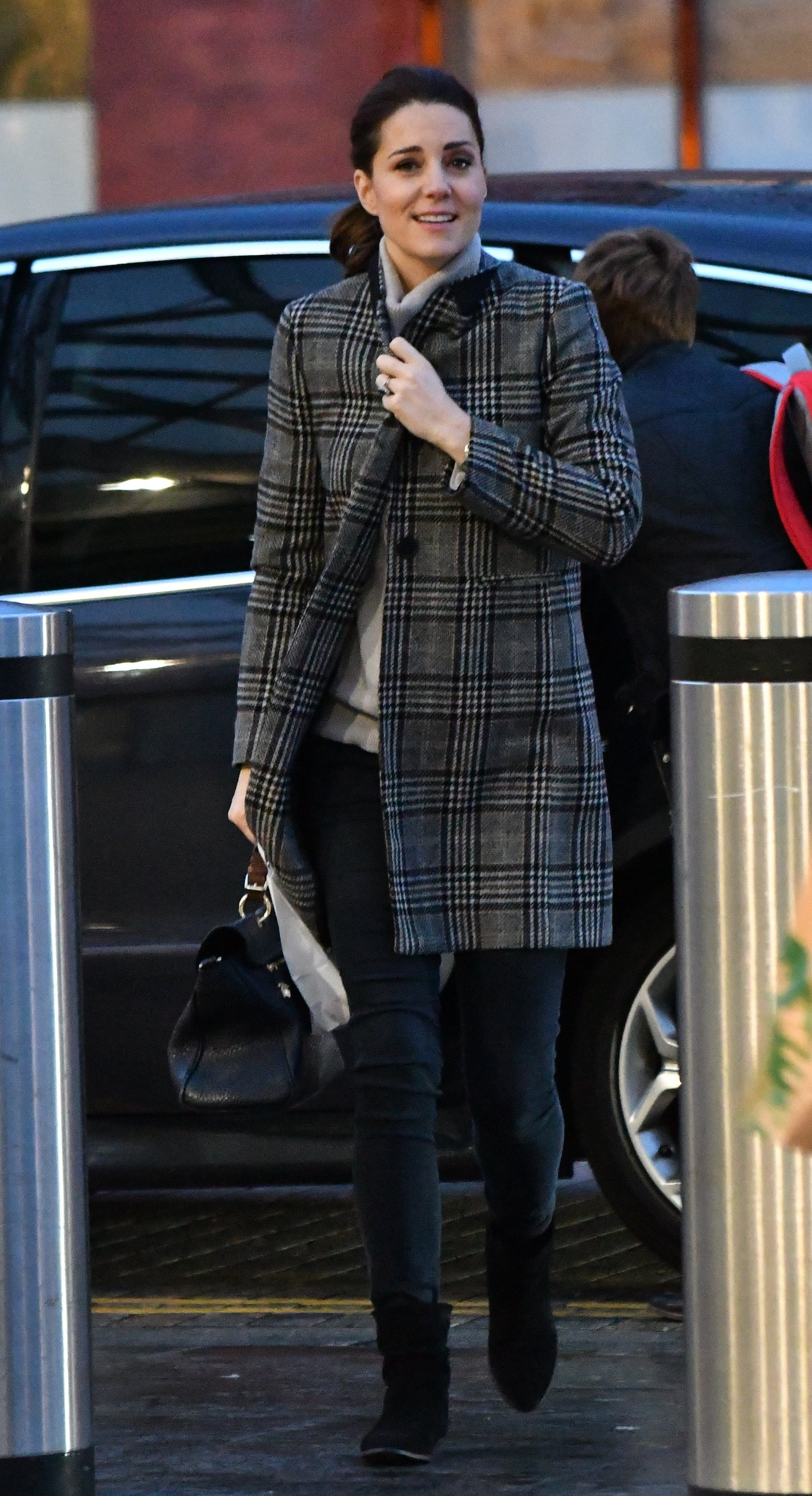 Kate Middleton Goes Casual For Outing In London See The
