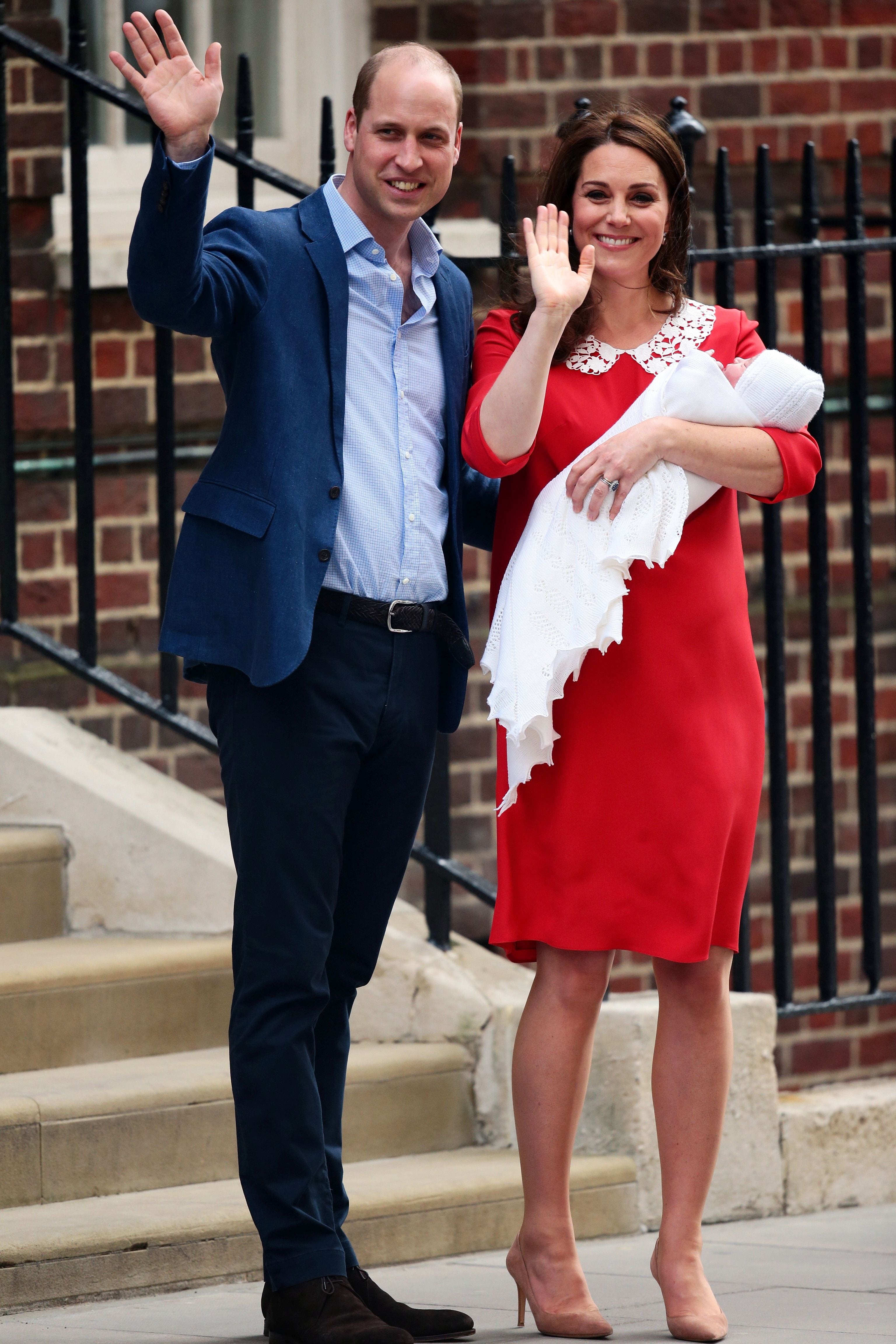 f8ad3cd0f1ee1 Kate Middleton Channels Princess Diana During Royal Baby No. 3 Introduction  | Entertainment Tonight