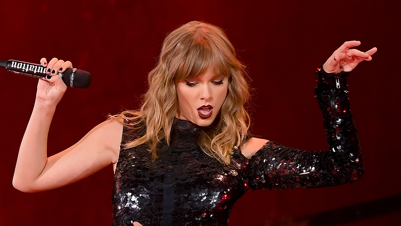 Taylor Swift Kicks Off Her Reputation Tour With An Epic Show And A Sly Reference To Kim Kardashian Feud Entertainment Tonight