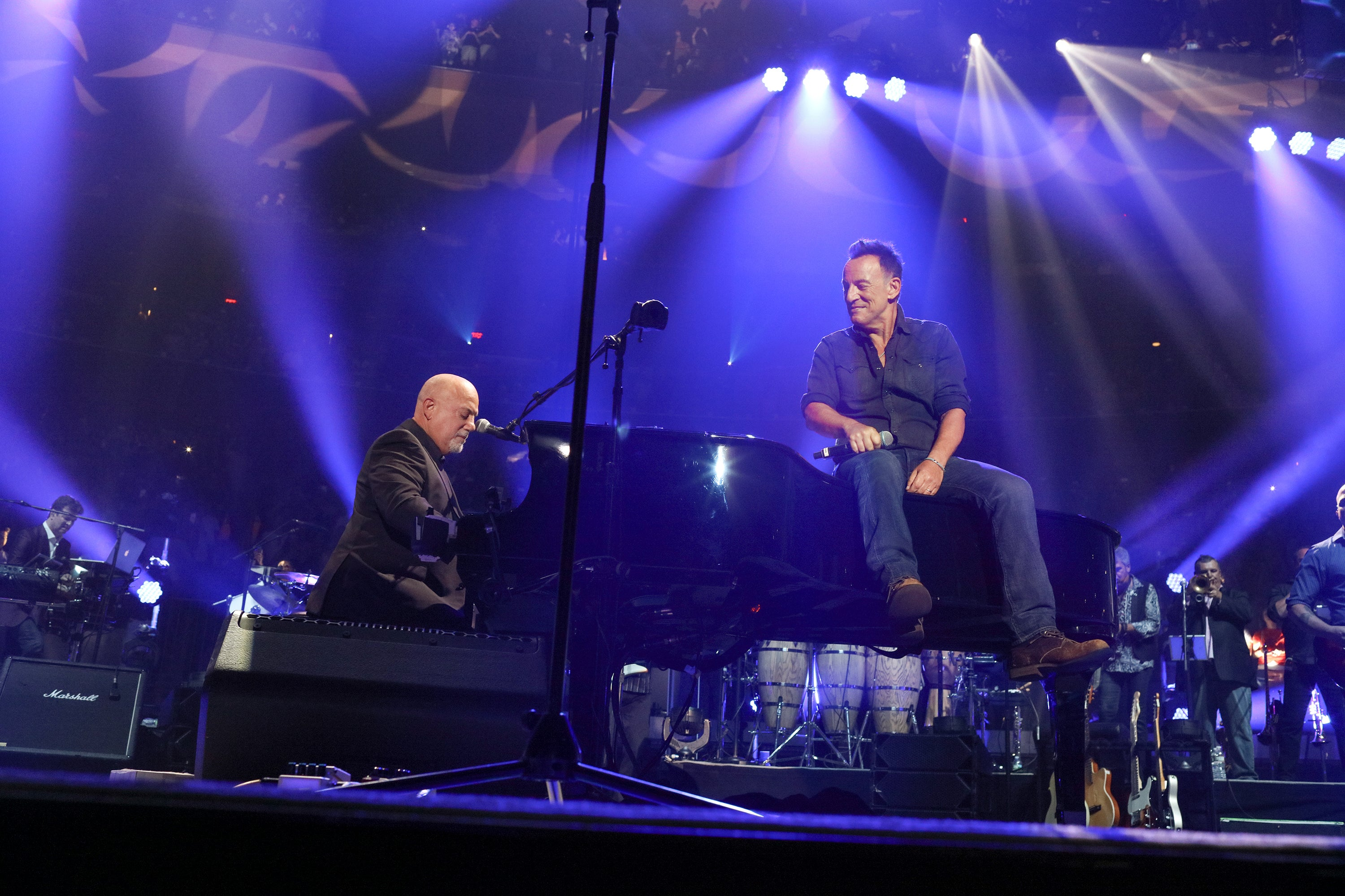 Bruce Springsteen Wows Audience During Billy Joel S 100th Concert At