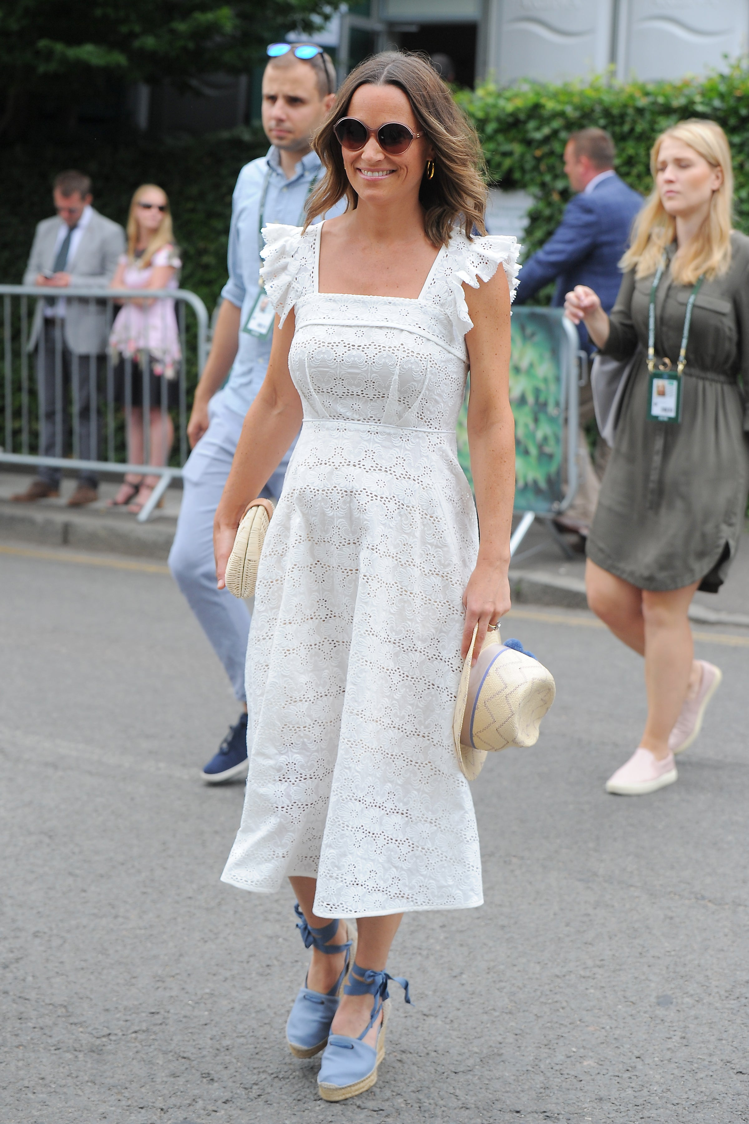 451e747c3 Pippa Middleton's Summer Maternity Style Is Totally Worth Copying ...